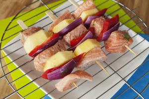 Łosoś opiekany na grillu z ananasem i papryką 4
