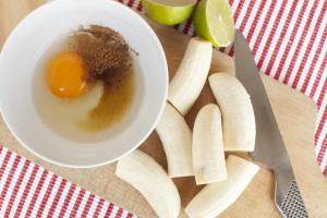 Grillowane banany w panierce kokosowej