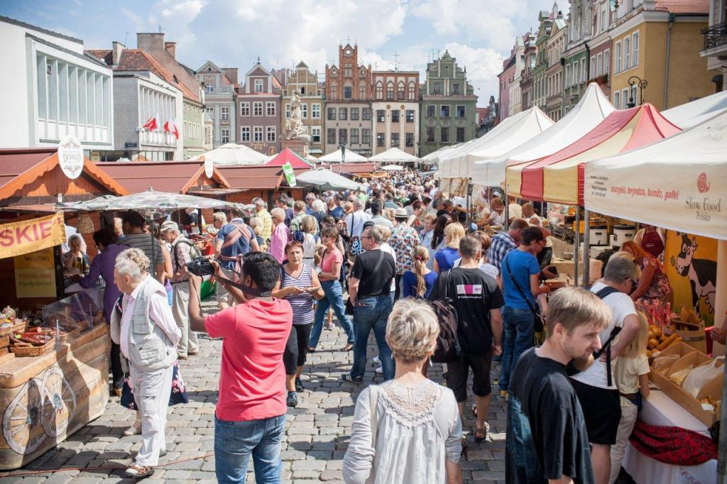Co roku festiwalowe stoiska gromadzą tłumy
