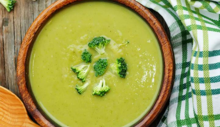2Krem z brokułów z dodatkiem serka topionego Fot